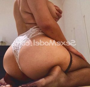 Maroussia massage sexy escorte